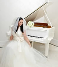 Listen to your wedding pianist play romantic piano music on your wedding day in Kent.